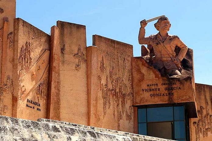 La Place de la Revolutión Mayor General Vicente García González